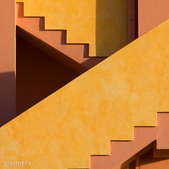 Geometrie (giusmelix) Tags: scale stairs vivid diagonale geometrie blueribbonwinner canonef70200mmf4lusm 40d canoneos40d giusmelix canoniani diagonalmente