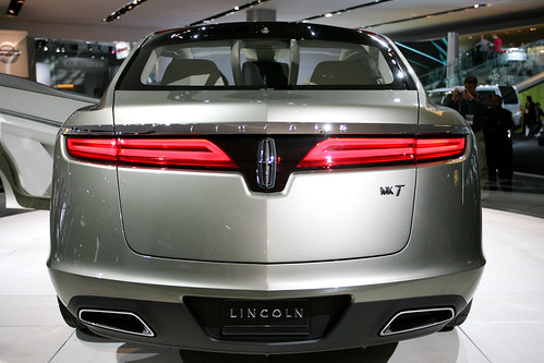 Lincoln MKT Concept back