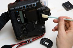Cleaning the Sensor_008