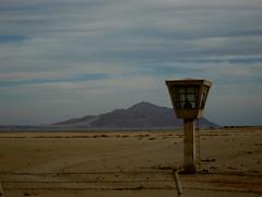 Tower of Lazy Power (Mikael Colville-Andersen) Tags: voyage travel mountain tower airport desert platform egypt sharmelsheikh lanzarote security sharm sinai lufthavn sinaipeninsula michelhouellebecq houellebecq january2008 lptowers