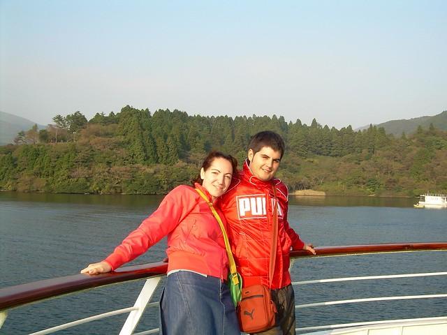Vero i Pau en el lago Ashi