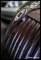 Lancia Thesis (Pieter Ameye Photography) Tags: auto black detail cars car digital sedan canon macintosh eos rebel italian noir belgium belgique fiat head negro group belgië kitlens automotive voiture limo coche thesis kit petrol zwart macchina nero pieter italie lancia lightroom petrolhead dialogos grimbergen ameye 400d pietera pieterameye