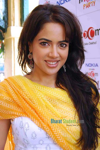 Sameera Reddy _ BharatStudent.Com; ← Oldest photo