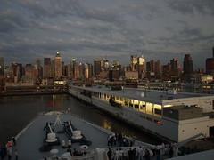 QE2 Leaving New York (Rob Lightbody) Tags: ocean new york cruise newyork skyline river pier ship manhattan bow hudsonriver hudson queenelizabeth2 cunard qe2 transatlantic liner oceanliner cruiseliner