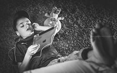 Listen to Rovazzi (davide978) Tags: davide978 davidecolli davidecolliphotography italy 2017 filippo ipad apple zenzi bambini solitudine piedi tappeto cattivaeducazione cappello portrait ritratto speedlight luce flash 50 canon musica music cuffie mg7861 room cameretta bed rovazzi andiamo comandare andiamoacomandare ascoltare liste listen