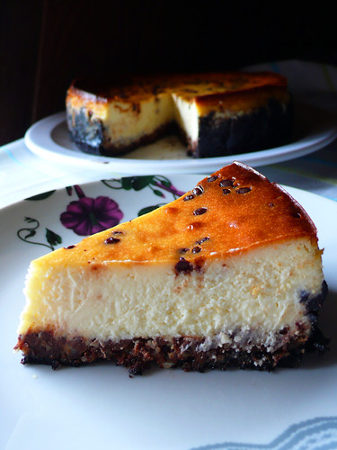 mini dark chocolate chip cheesecake