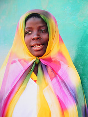 MACUTI GIRL, MOZAMBIQUE (Andr Pipa) Tags: africa street portrait colour girl beauty candid mosque chapeau beleza rua moulinrouge cor soe platinum moambique rapariga mesquita themoulinrouge ilhademoambique 100faves flickrsbest 35faves 25faves mywinners abigfave shieldofexcellence anawesomeshot colorphotoaward aplusphoto macuti superbmasterpiece goldenphotographeraward diamondclassphotographer flickrdiamond lunarvillage portraitaward citrit excellentphotographer theunforgettablepictures andrpipa colourartaward theperfectphotographer thegardenofzen photobyandrpipa