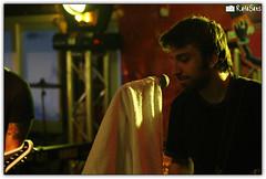 Fresno @ Vavo (Rafael Saes) Tags: show music rock canon rebel cola live porto fresno shows ao 75300mm msica coca bandas canto santo vivo estdio guaratuba vavo xti eos400d estdiococacola