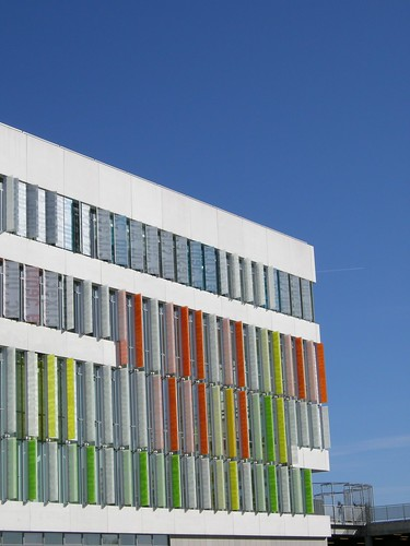Denmark ini ialah sekolah yang  dirancang untuk Sekolah masa depan dengan  tampilan miri Inilah Kampus Paling Canggih dan Ternyaman di Dunia