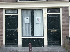 Triple 5 Guesthouse (Hammers Photos) Tags: snow amsterdam canal prinsengracht