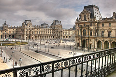 Museo del Louvre (marathoniano) Tags: plaza city travel sky cloud paris france museum architecture square landscape arquitectura village louvre muse museo francia soe globalvillage peopleschoice 35faves abigfave marathoniano flickrbest ysplix leuropepittoresque