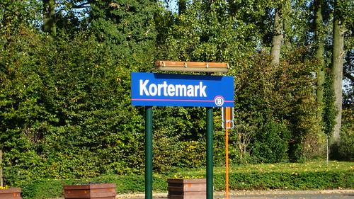 Kortemark station platform sign