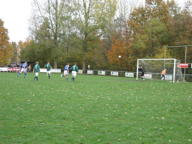 voetbal 02-11-07 039