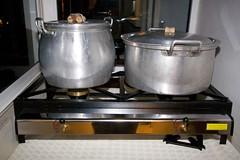 Armas ou tachos/ Weapons or pans (ckinuk) Tags: xmas cooking portugal natal cook pots cozinha pans bacalhau tachos cozinhar panelas saltedcod