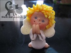 angel figurine - gift (marytempesta) Tags: angel polymerclay fimo gifts glowinthedark angels angelwings handmadecrafts angelsfimo
