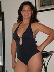 hot mature moms com