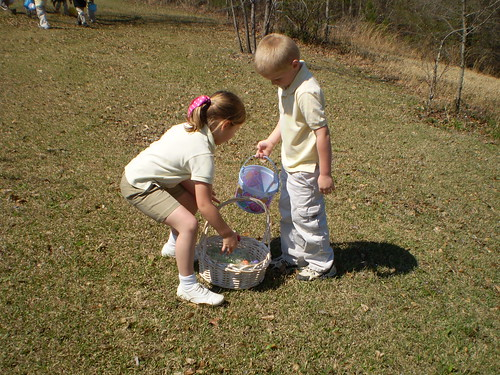Kayla and Hunter sharing eggs