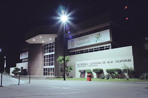 Vicerectoria UABC de noche