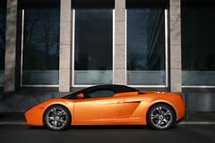 Lamborghini Gallardo Spyder (Jeroen Buitenhuis) Tags: orange car canon germany eos italian jeroen super spot spyder dsseldorf lamborghini spotting v10 52 gallardo duitsland itali spotten buitenhuis 400d autogespot