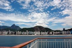 Copacabana on Board (Bruno Mooca) Tags: praia riodejaneiro nikond70s cristoredentor corcovado copacabana copacabanapalace polarizador islandscape islandcruises brunomooca musiconboard2008