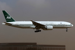 Pakistan International Airlines   Boeing 777-200ER   AP-BMG   retro livery   Tokyo Narita (Dennis HKG) Tags: pia pk pakistan pakistanairlines boeing 777 777200 777200er boeing777 boeing777200 boeing777200er aircraft airplane airport plane planespotting tokyo narita rjaa nrt apbmg canon 7d 100400
