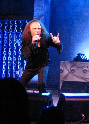 Ronnie James Dio e o chifrinho