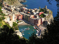 Picturesque village Vernazza (Bn) Tags: santa vacation holiday church topf25 topf50 bravo italia topf300 unesco cinqueterre traveling vernazza topf100 soe topf200 breathtaking margherita 100faves 50faves 200faves 35faves 25faves 300faves shieldofexcellence anawesomeshot impressedbeauty aplusphoto ibeauty amazingshots wowiekazowie diamondclassphotographer megashot frhwofavs ishflickr doriacastle theperfectphotographer churchofsantamargheritadantiochia nationalparkcinqueterre visipix