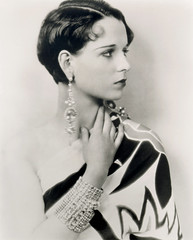 louise brooks bling