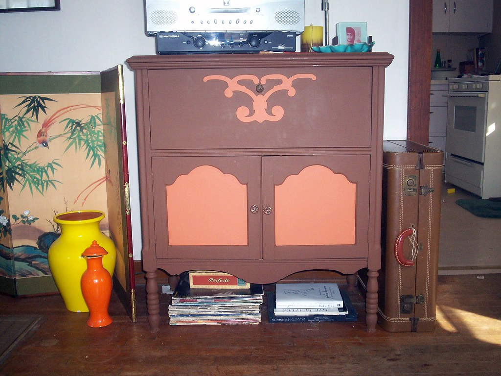 Vintage Redux - the new tv stand...
