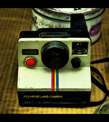 Polaroid Land Camera by Flickr user angel_caido