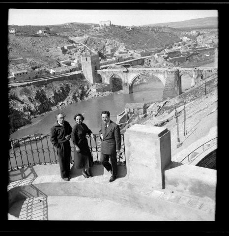 Victorio Macho en su casa junto al Puente de San Martín, Toledo (España)