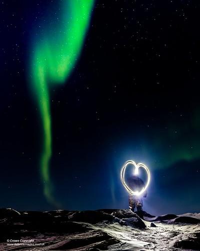 heart northernlights valentinesday norway atmospheric auroraborealis sky night stars artic aurora defence free defense uk british military