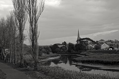 River Gwendraeth in Kidwelly, Carmarthenshire, Wales (zapperthesnapper) Tags: kidwelly rivergwendraeth river wales sonyrx100 sonycybershot sonyimages sony blackandwhite monochrome mono