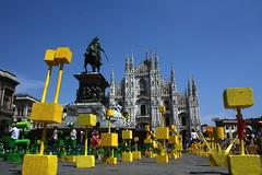 ABI-TANTI. La moltitudine migrante  Duomo 21.05.11 (Luca Enrico Sironi) Tags: street milan milano duomo