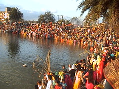 Devotees worshipping sun at chhath ghat (BK_Pandey) Tags: india culture puja bihar ranchi chhath bhojpuri jharhand