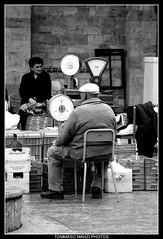 Libras (Tommaso Manzi Photos) Tags: italy market tommaso balance marche libra ascoli ascolipiceno piceno manzi tommasomanzi