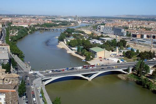Zaragoza, al fondo zona Expo