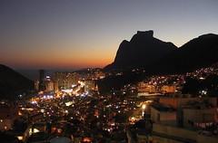 Na Rocinha a noite é reluzente...