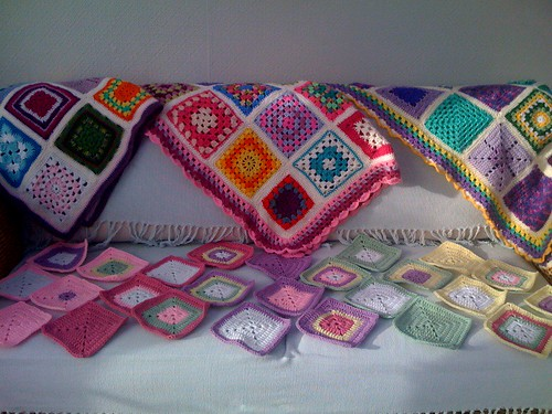 They keep a comin!' Colourful Squares across the miles from Puerto Rico! Thank you Damaris! www.suesfavouritethings.blogspot.com If you'd like to join in the fun! I'm making 'Sunshine Blankets' for the Elderly.