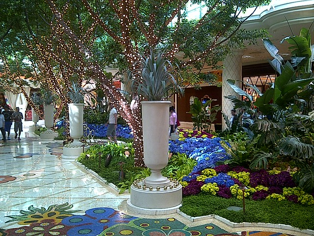 The lobby of the Wynn, near Parasol Up.