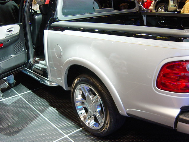 auto show chicago cars ford f150 harley trucks davidson