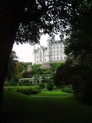 Spying on a fairy tale (tc_hendo) Tags: tree green castle fairytale garden scotland sutherland