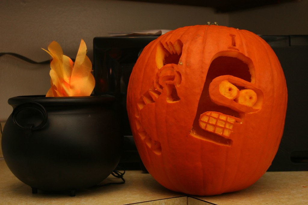 The world 39 s best photos of bender and jackolantern for Robotic halloween decorations