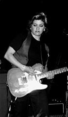 Nina Martinez on guitar - The Cliks - London (LaPetu @ Klicking) Tags: london chalk barfly farm camden gig cliks