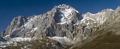 Pea Vieja desde la Llomba del Toro (jtsoft) Tags: mountains landscape olympus cantabria picosdeeuropa e510 zd50200mm peavieja jtsoftorg liva