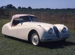 Jaguar XK120, NHAS, 09Aug75a (Belle'sDaddy) Tags: white pennsylvania jag british jaguar newhope buckscounty sportscar roadster xk120 xcar 1car newhopeautoshow