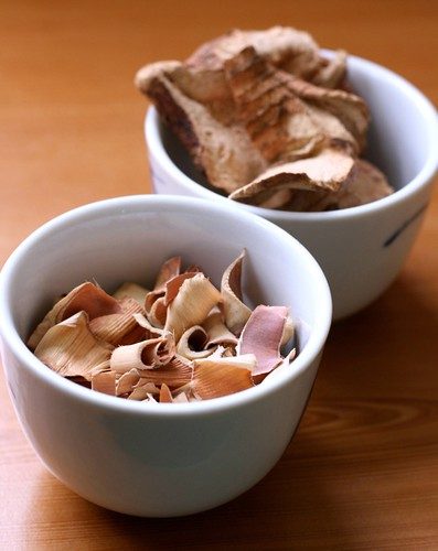Dried lemongrass and galangal