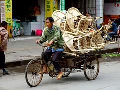 Dazu, 22 avril 2007 (Fred Alix) Tags: china street asia chinese asie chinois sichuan rue seller chine dazu vendeur diamondclassphotographer theperfectphotographer