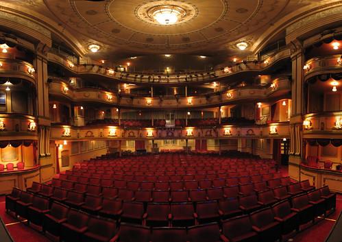Dissertation le theatre est il un simple divertissement