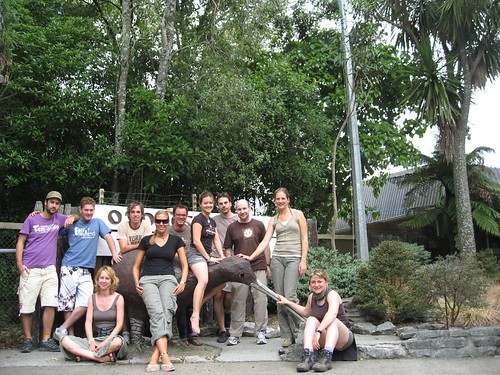 Group photo on a sculpture kiwi
